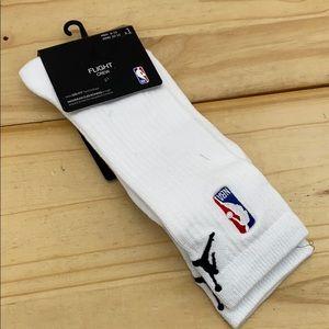 LG sz 8-12 Jordan NBA Flight Crew Sock White